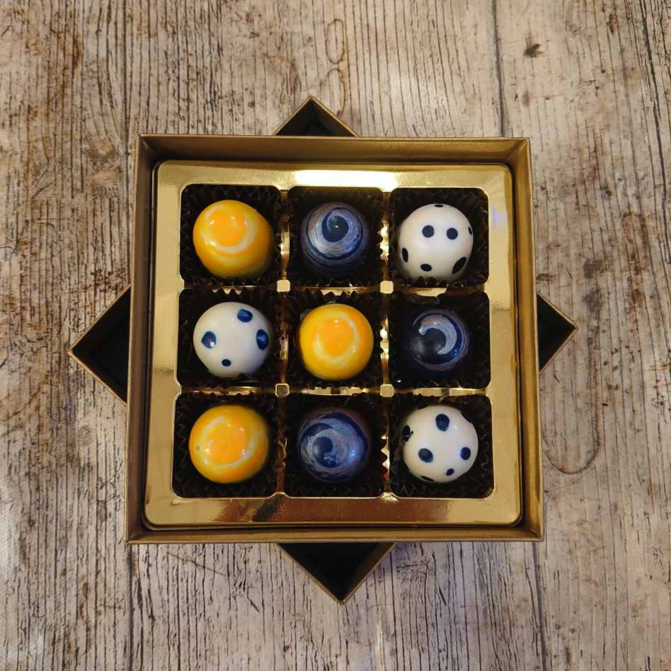 Small Selection Box (9 Chocolate Box)