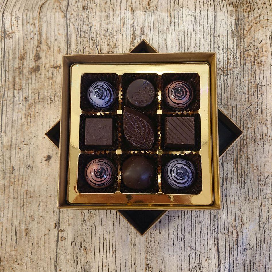 Fredericks Old Dark Favourites (9 Chocolate Box)