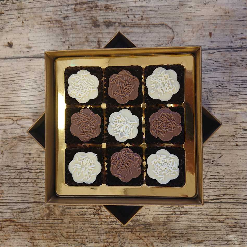 Simply Caramel Selection Box (9 Chocolate Box)