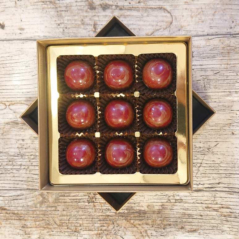 Strawberry Caramel (9 Chocolate Box)